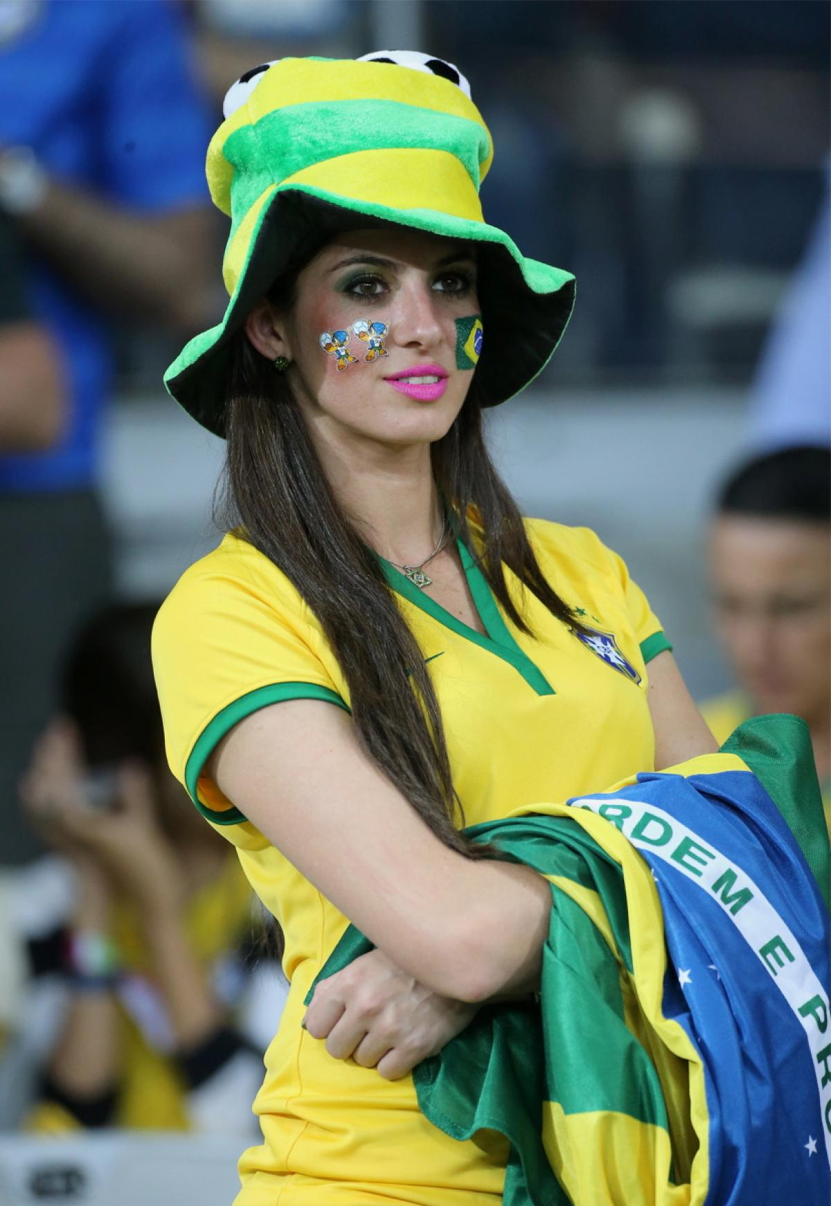 world-cup-hottest-fans-1