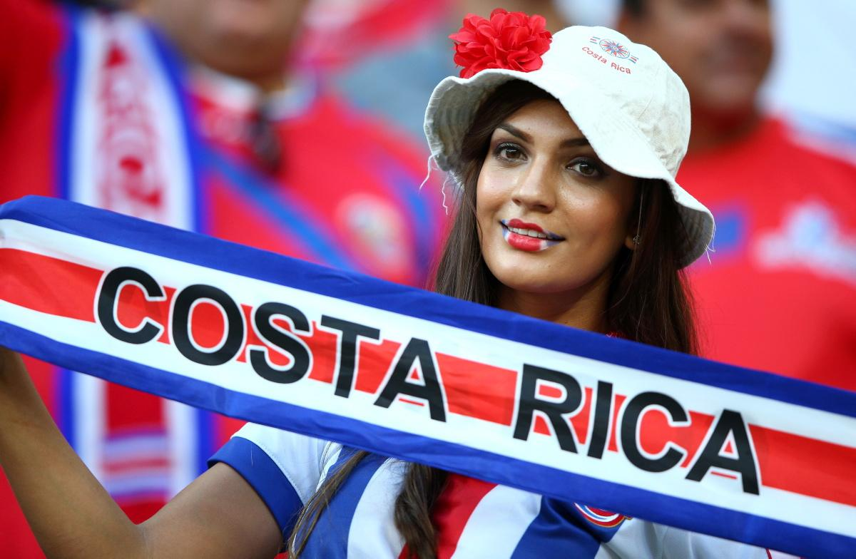 world-cup-hottest-fans-10