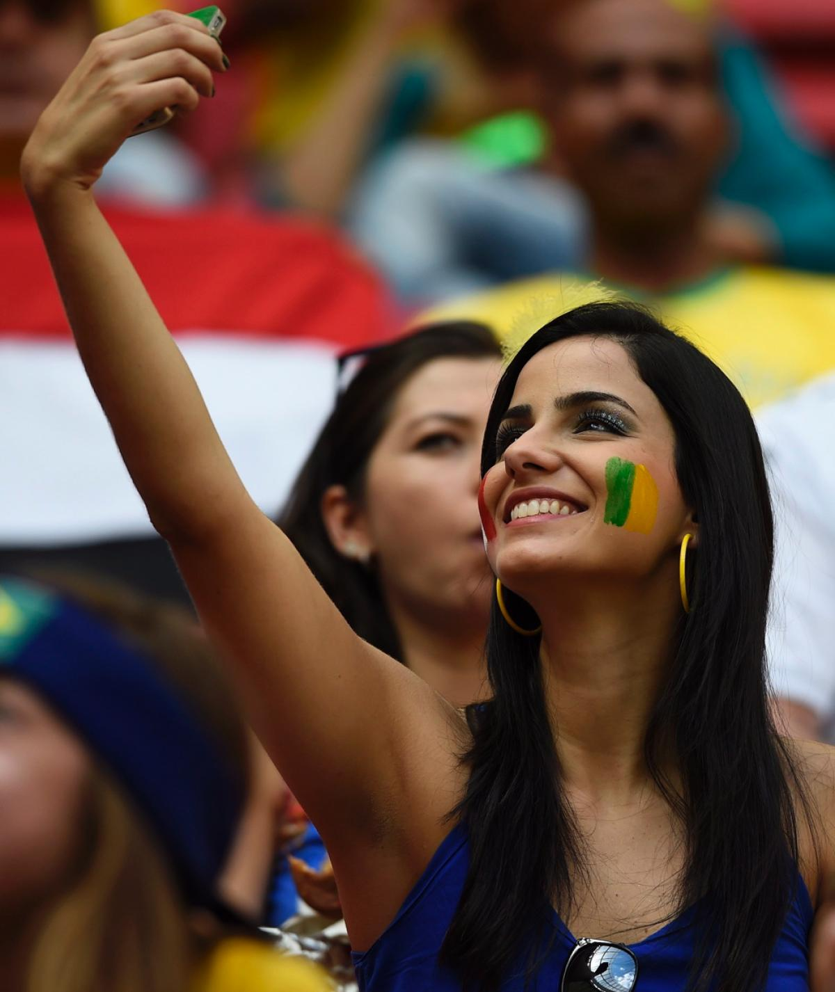 world-cup-hottest-fans-14