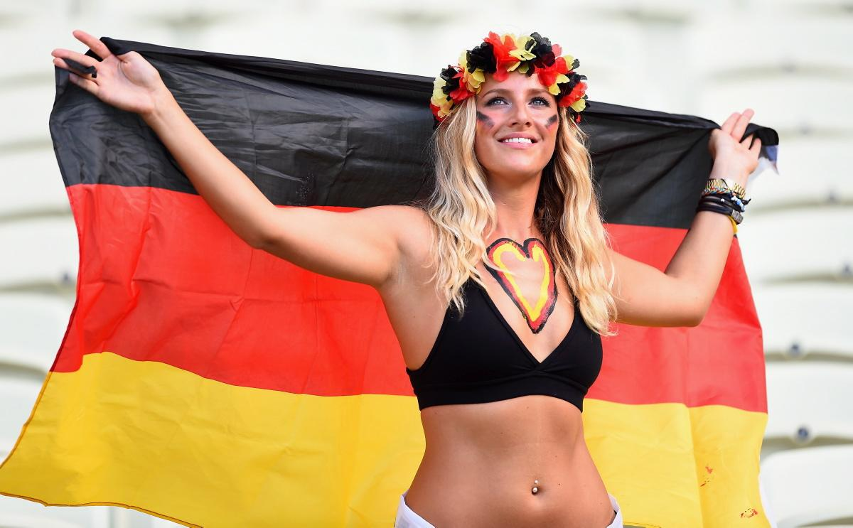 world-cup-hottest-fans-15
