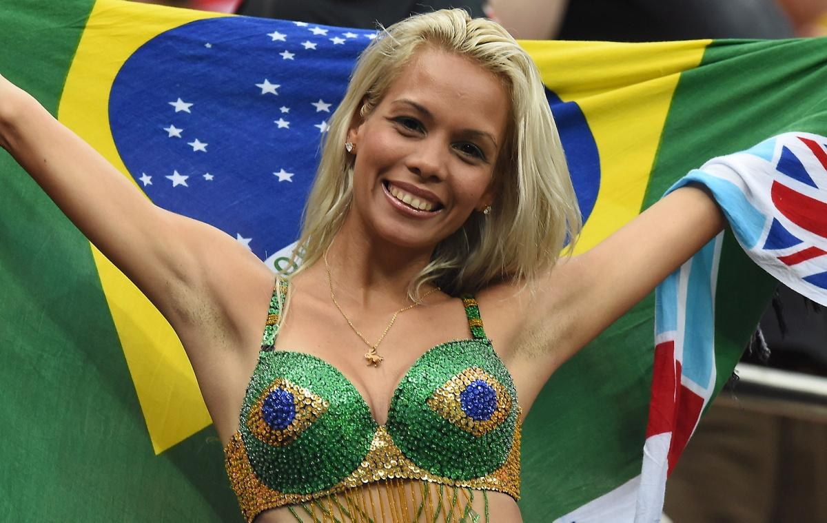 world-cup-hottest-fans-17