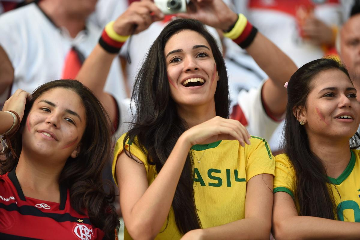 world-cup-hottest-fans-18