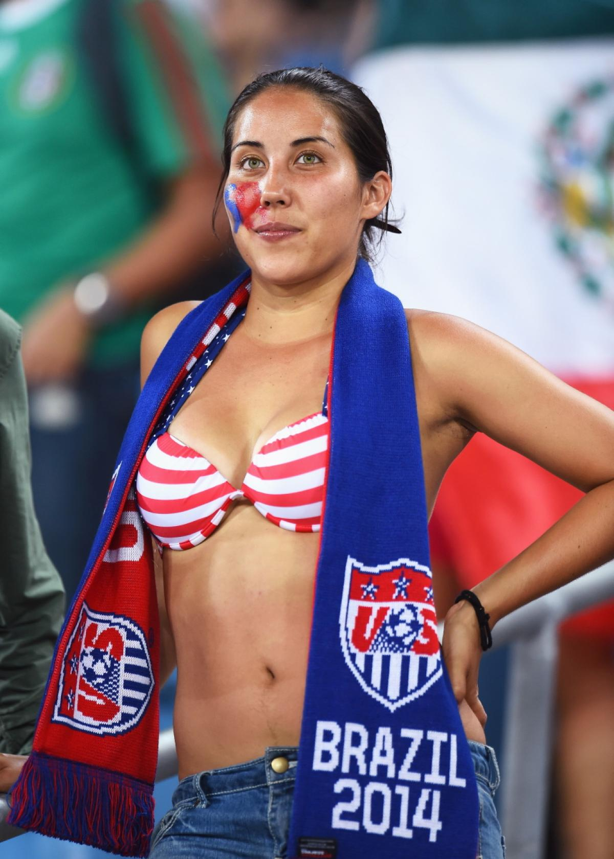 world-cup-hottest-fans-19