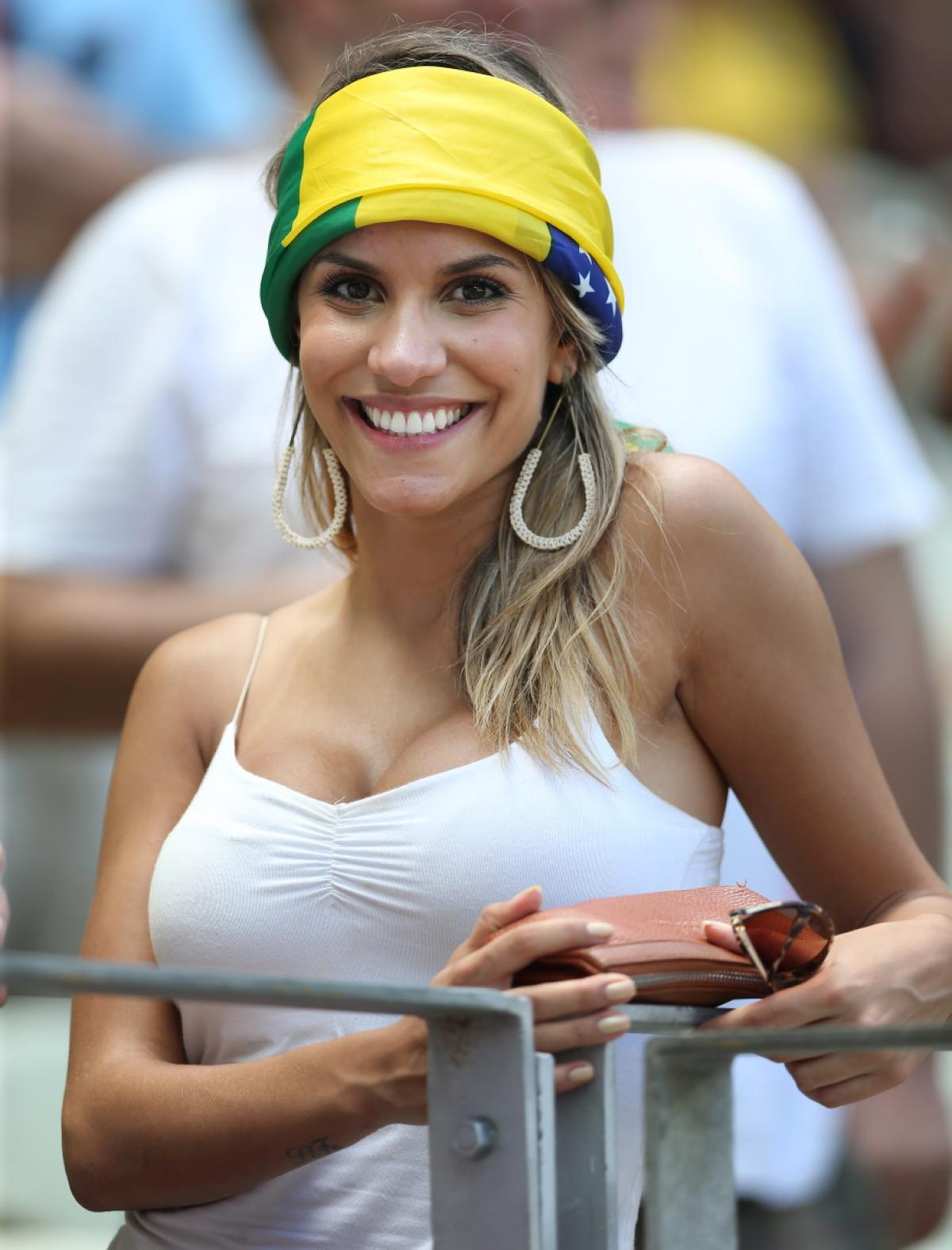 world-cup-hottest-fans-2