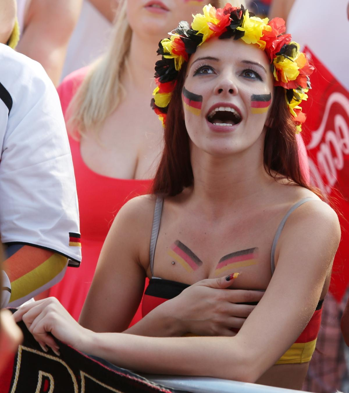 world-cup-hottest-fans-8